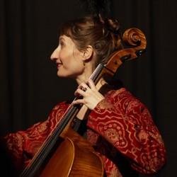 Julie, violoncelle